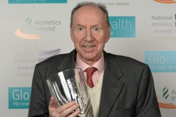 Frank Murphy with the Athletics Ireland Hall of Fame Award. Pic: Sportsfile